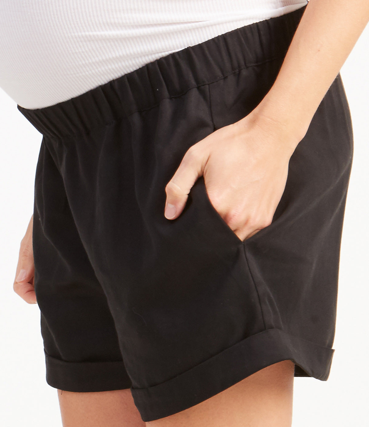 FASHION + FUNCTIONWith cuffs that flatter, these shorts have functional pockets to stash your stuff.
