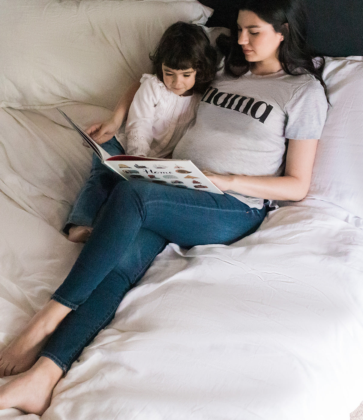 FASHION + FUNCTIONSimple, classic printed graphic with side slits that accommodate your growing belly. A timeless tee to love long after baby arrives.