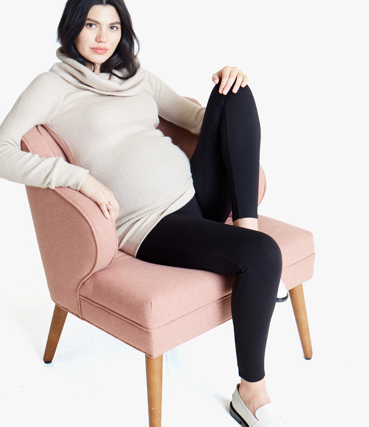 CRAZY COMFORTABLEStretchy, figure-flattering ponte knit with an ultra-comfortable fit is your go-to pant throughout pregnancy and after.