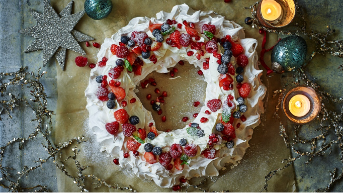 Australian Christmas Wreath Pavlova Recipe