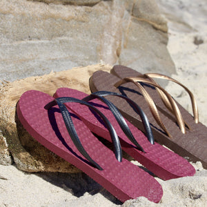 Women's Sustainable Flip Flops Açai with Black Straps