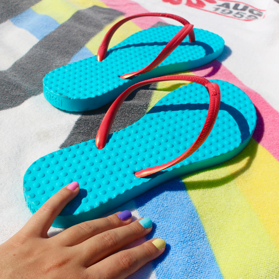 Women's Sustainable Flip Flops Maldives Turquoise sole with Fuchsia straps