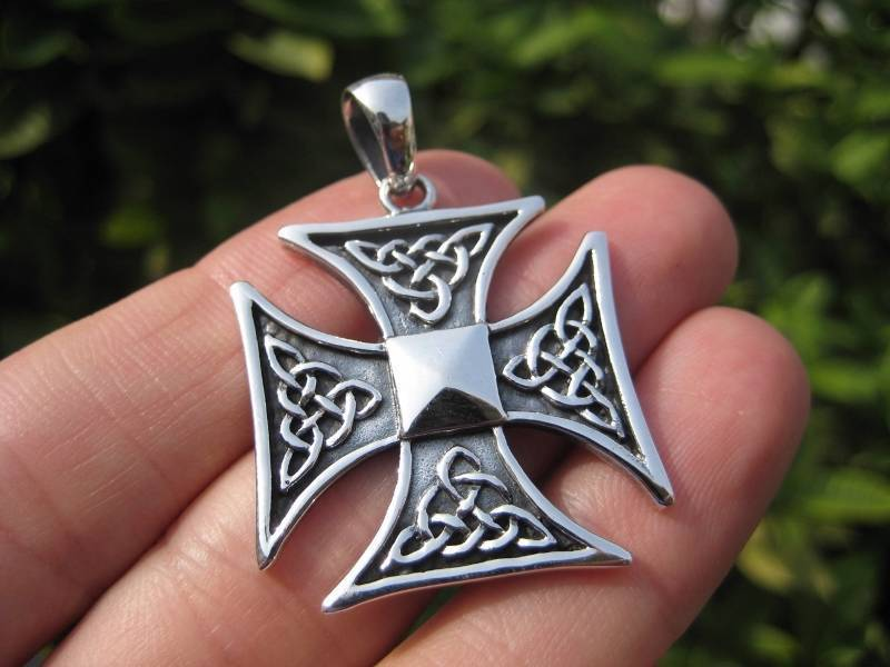 Large 925 Silver Knight Knights Cross Iron Cross Templar pendant Necklace A3