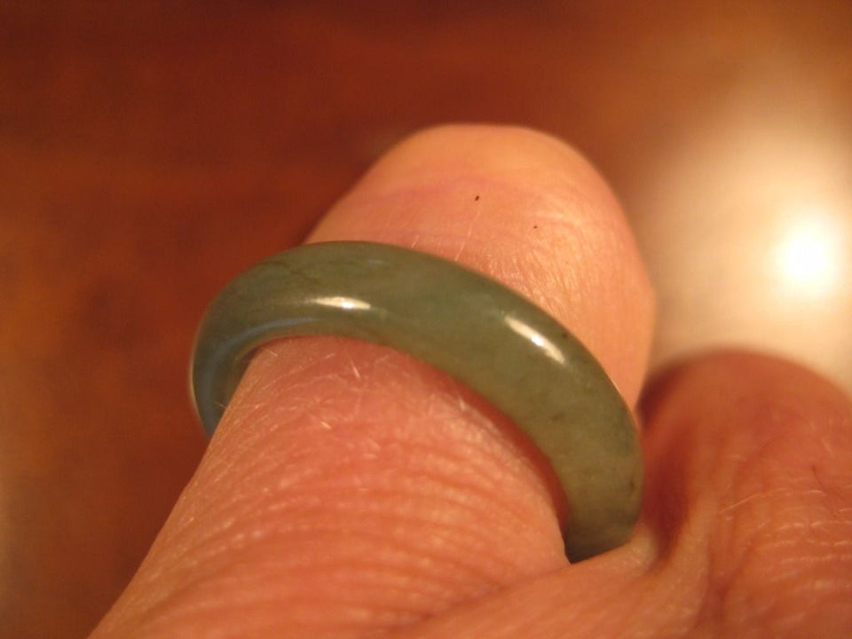 Natural Grade A  Jadeite Jade ring stone mineral carving  Size 7 US  A2010