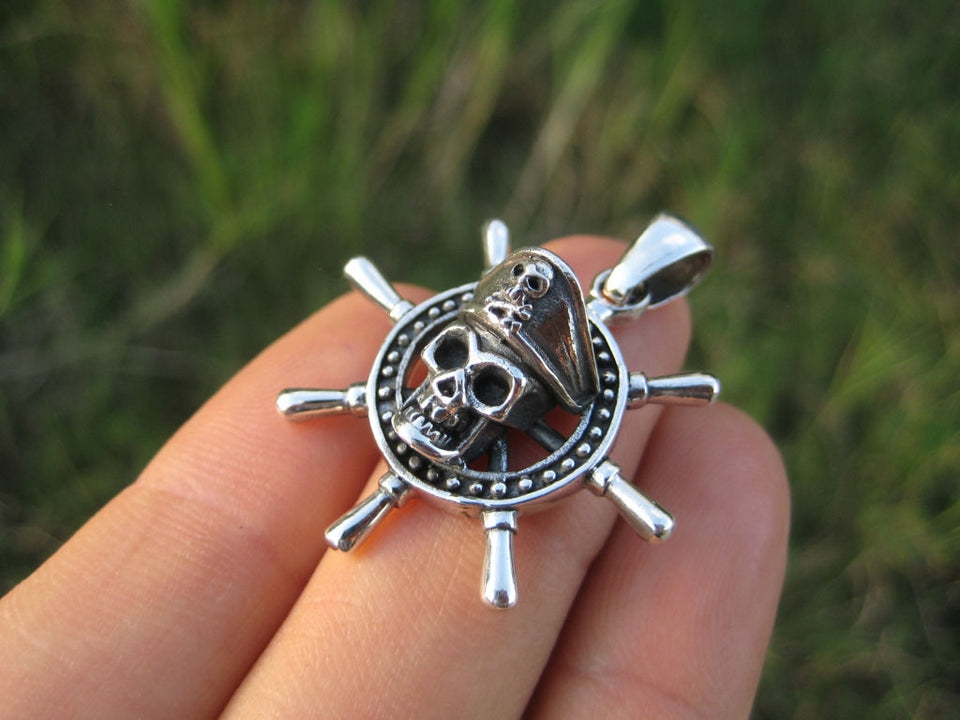 925 Silver Skull Pirate Captains Ship Wheel Pendant Necklace