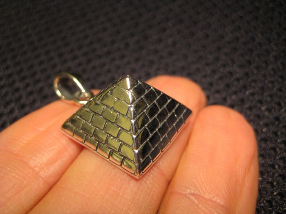 925 Silver Egyptian Pyramid Pentagram Pendant Necklace