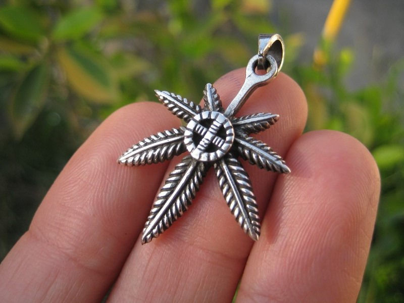 925 Silver Marijuana hemp cannabis pendant necklace Thailand jewelry art A2