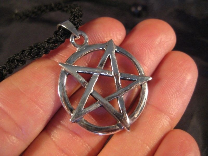 Large 925 sterling silver wicca inverted pentagram pendant necklace jewelry art