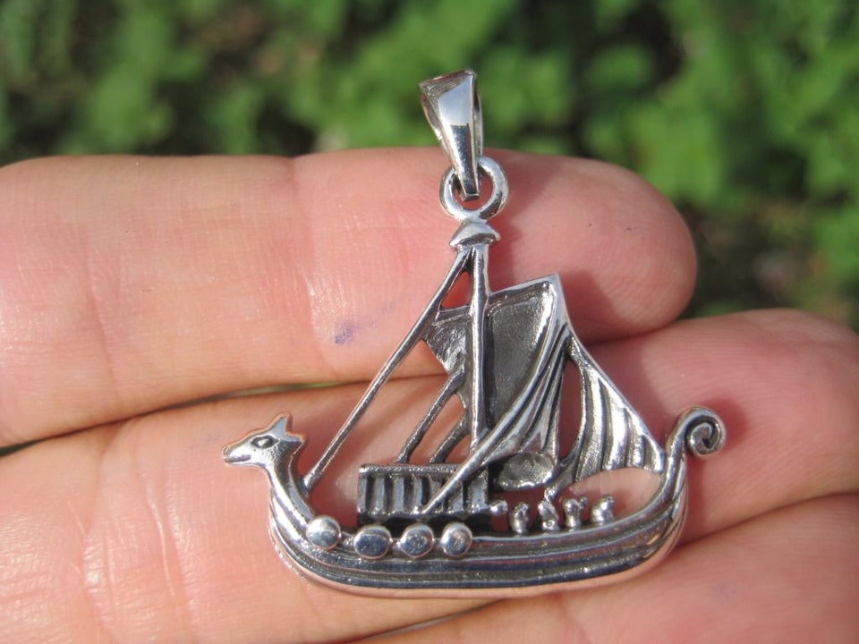925 Silver Medieval Viking Boat Ship Pendant Necklace A8
