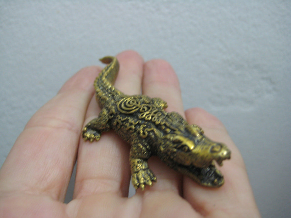 Brass Amulet Crocodile Alligator Statue Buddhist Blessing for Good Luck A27944