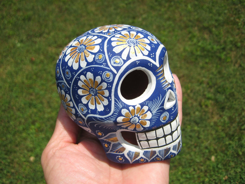 Ceramic Painted Skull Day of the Dead Cuernavaca Mexico A9285