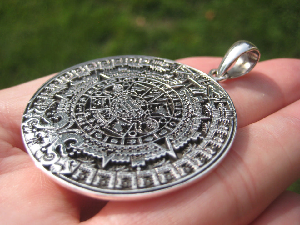 925 Sterling Silver Maya Mayan Calendar Mexico Pendant Necklace A40