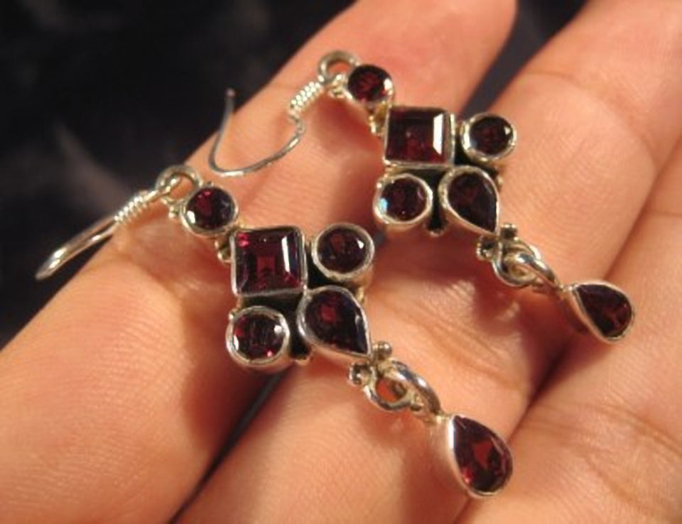 925 Silver natural Garnet stone crystal earrings A802