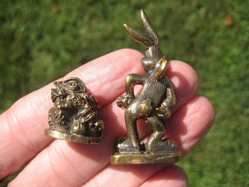 Set 2  Rabit and toad Buddhist Blessing Amulet Statue A2576
