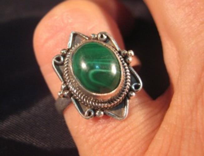 925 Silver Malachite crystal stone Ring Nepal jewelry art Size 6  N3766