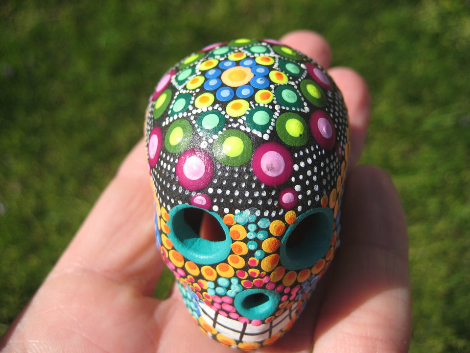Ceramic Painted Skull Day of The Dead Pinta de Agua Taxco Mexico A8266