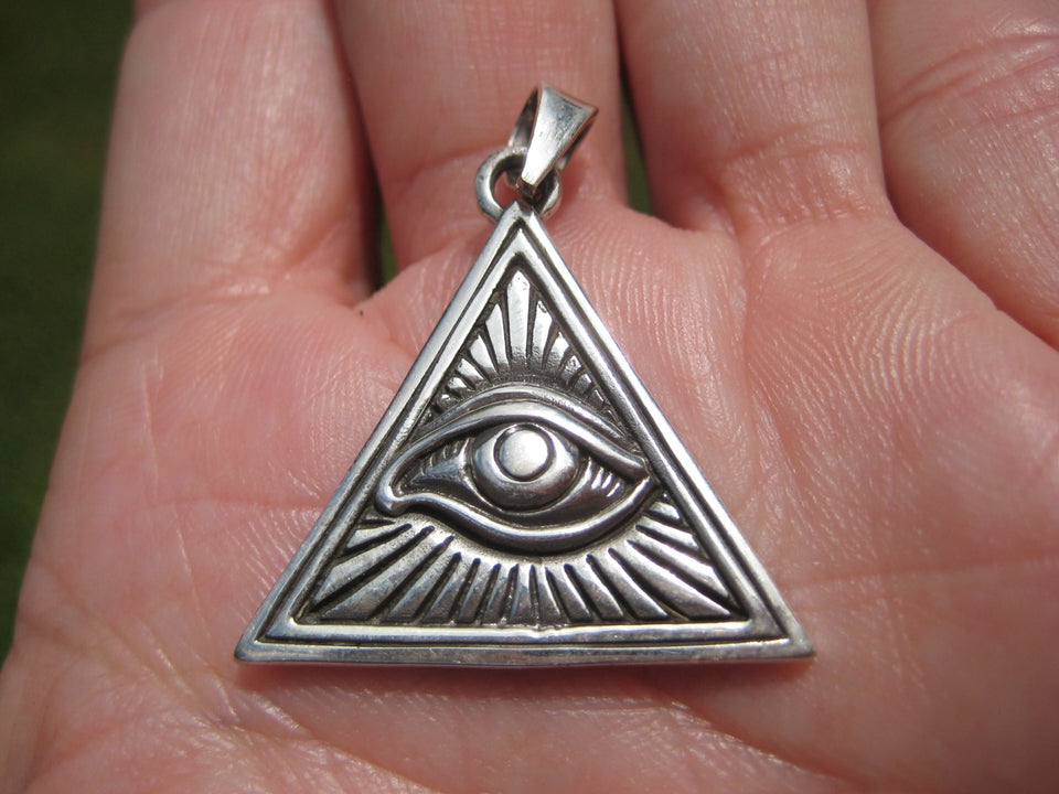 925 Silver Egyptian Seeing Eye Free Mason Masonic Pyramid Pendant A3237