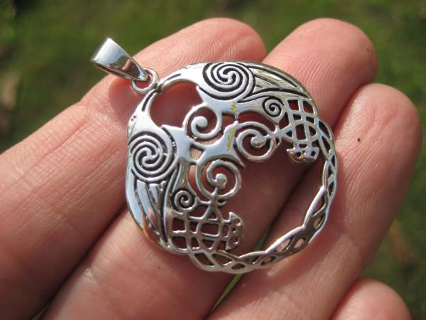 925 Sterling Huginn Muninn Raven birds of Odin Viking Germanic Runes Pendant A18