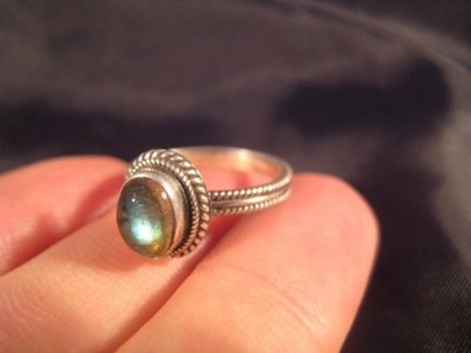 925 Silver Moonstone crystal stone Ring Nepal jewelry art Size 5.75    N322