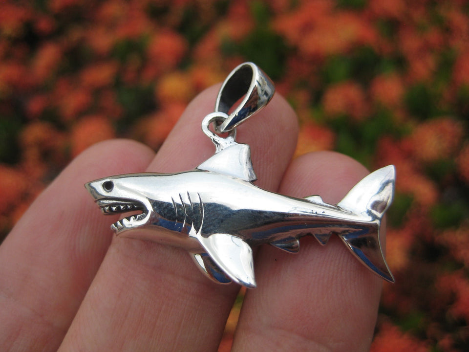 925 sterling silver Great White Shark pendant necklace