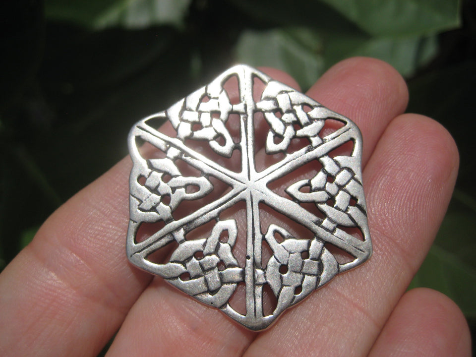 Large 925 Silver Celtic knot Flower Style  Pendant Thailand Jewelry  Art