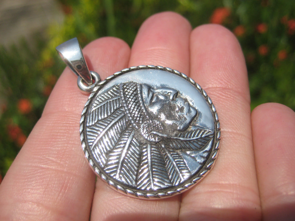 925 Sterling Silver Native American Indian Pendant Necklace A18