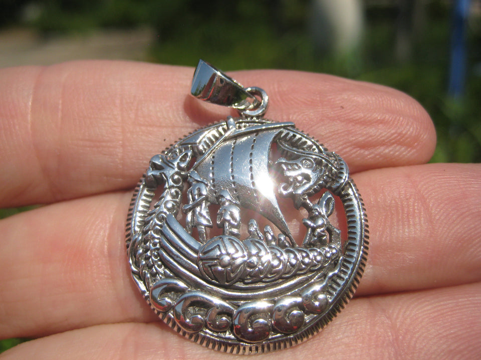 925 Silver Viking Nourse Boat Ship Pendanrt Necklace A22