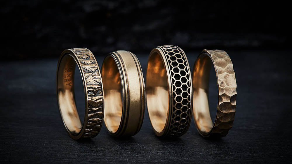 21 Unique Men S Wedding Bands With Timeless Style