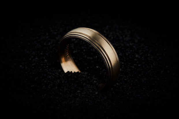 Men's Striped Wedding Band - Gold 6.5mm