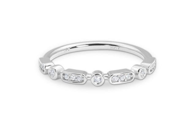 Round Diamond Wedding Band in White Gold