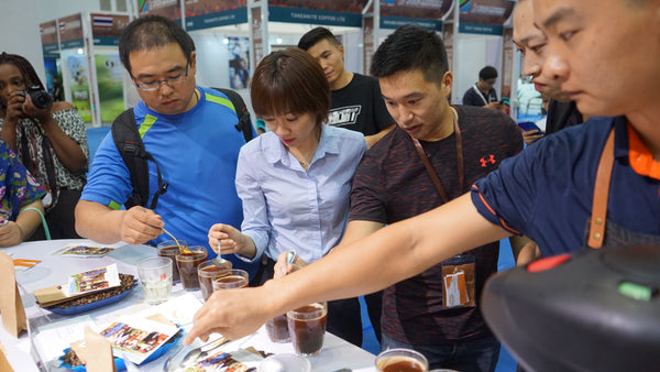 Grand Parade Imports cupping Specialty Kenyan coffees in 2018 ICoffee Expo Event in Hainan, China