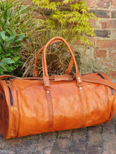 Load image into Gallery viewer, Handmade Leather overnight bag. www.karmaripon.co.uk