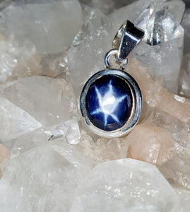 Linde star Stone set  in 925 Silver