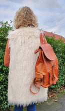Load image into Gallery viewer, Large Pittu Leather Rucksack