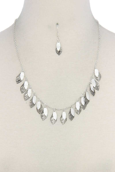Cut Out Leaf Pointed Oval Shape Dangle Necklace