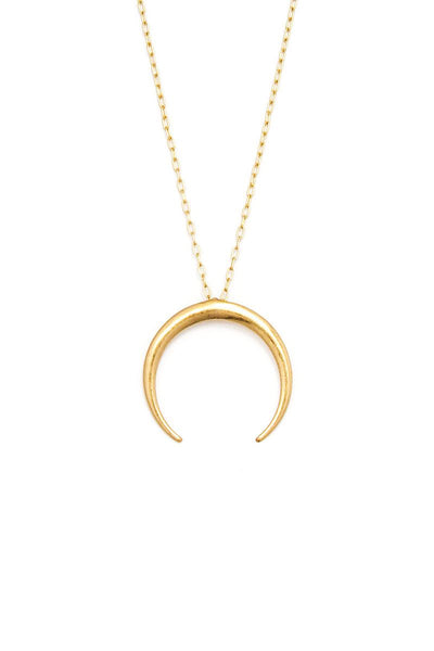 Fashion Chic Crescent Moon Pendant Necklace