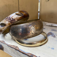 Load image into Gallery viewer, Preloved Brass Bangles