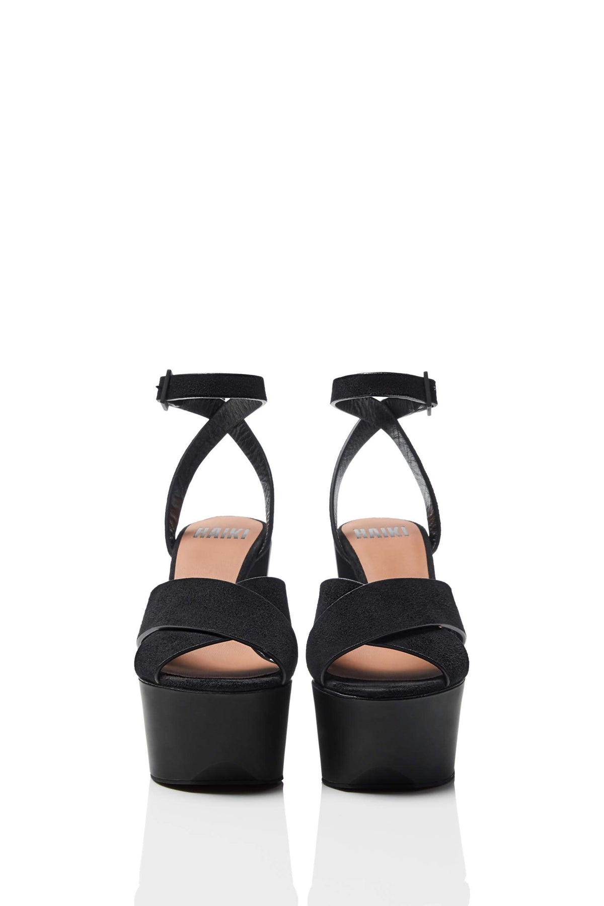 HAIKI 601 - Wide band, crisscross sandal, with self-adjusting ankle strap. Soft Kidsuede with hand-coated edges in black.