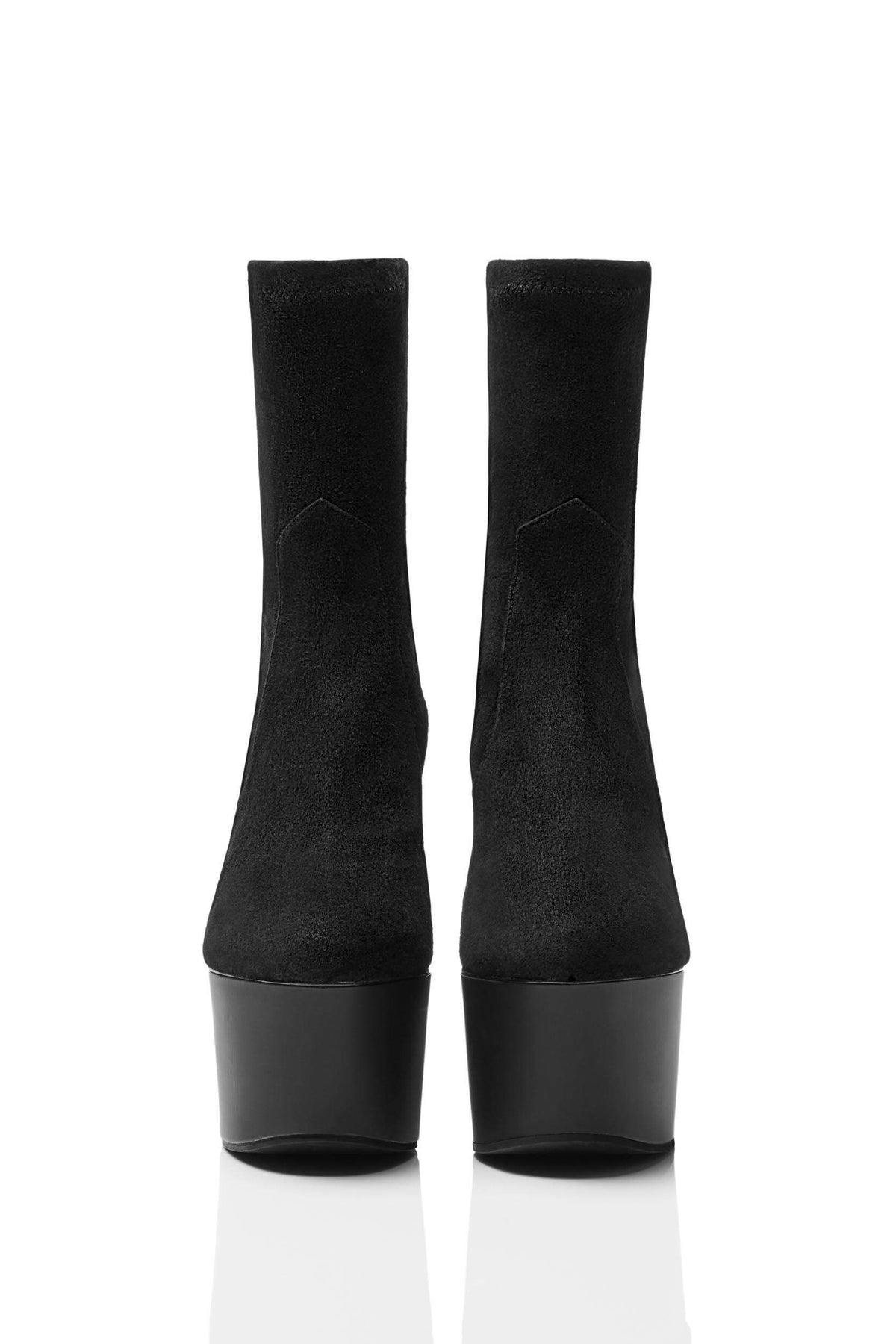 HAIKI 851 – Stretch pull-on platform boot with chic, almond shape toe. Made of Kidsuede in black.