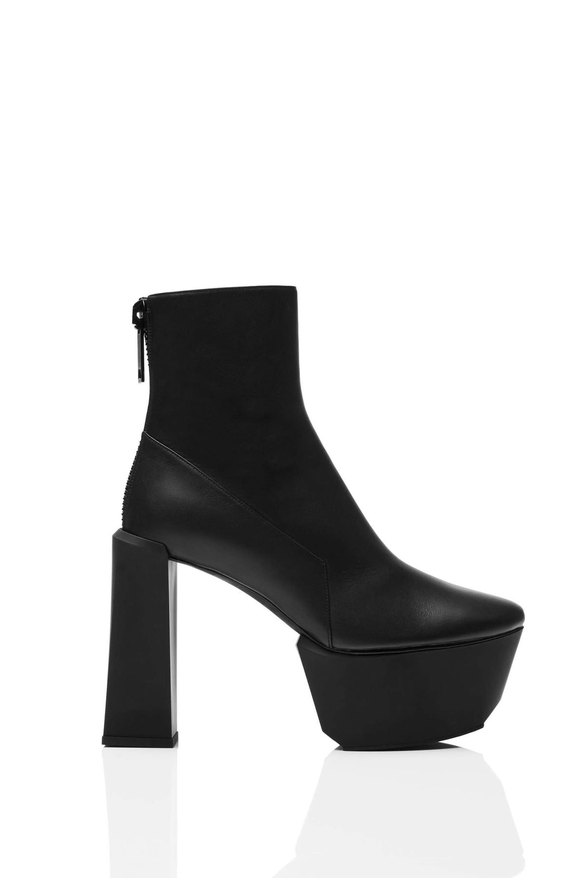 HAIKI 651 – Back zip platform boot with softly rounded toe. Finished in calf nappa in black.