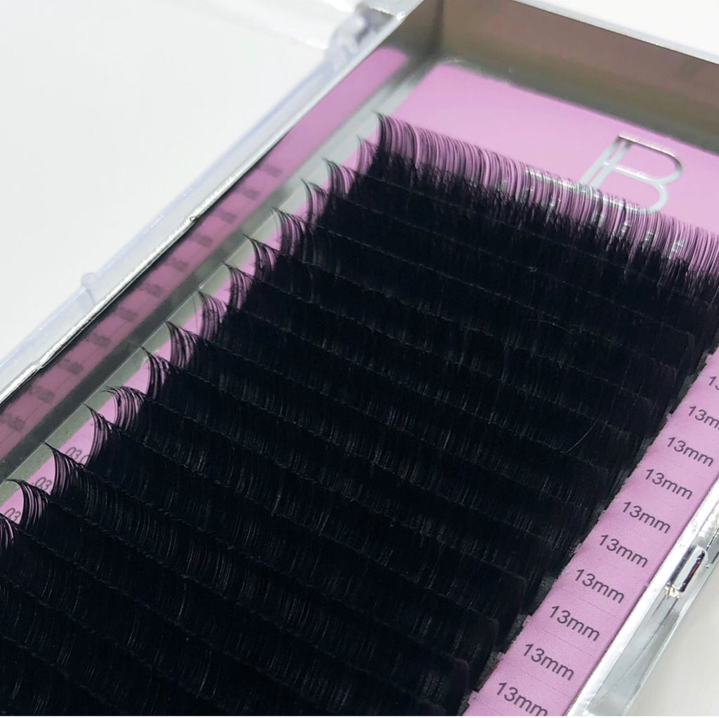 .03 Single Length Signature Collection Lashes