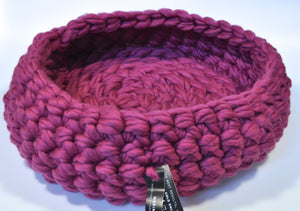 Cozy Cat Bed in 100% Chunky & Super Chunky Merino Wool