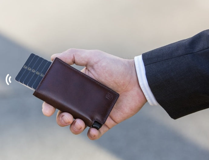The Best Minimalist RFID Wallet To Use