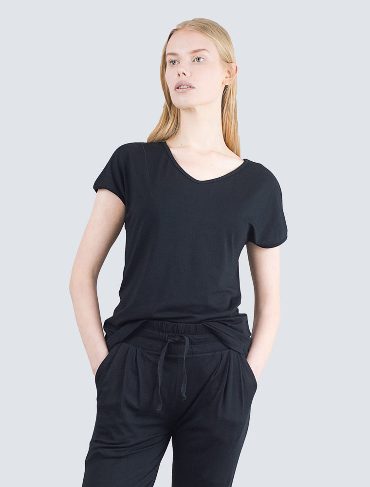 LILLE-Eini-t-shirt-black