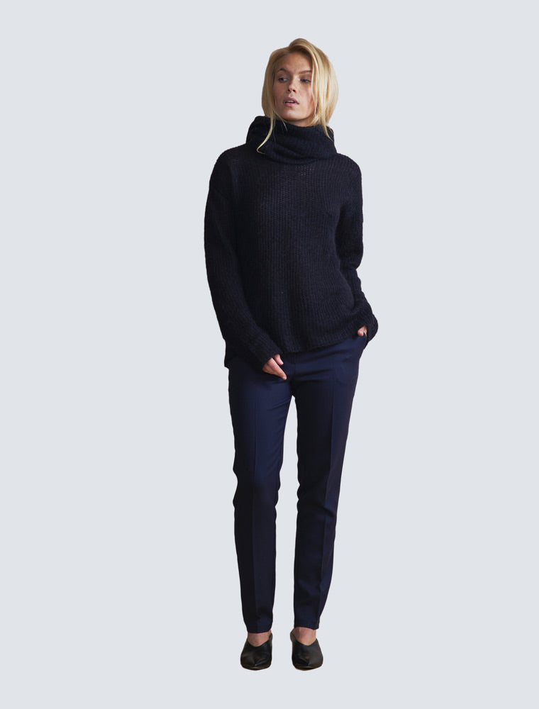 Peppi Pullover Black - LILLE Clothing