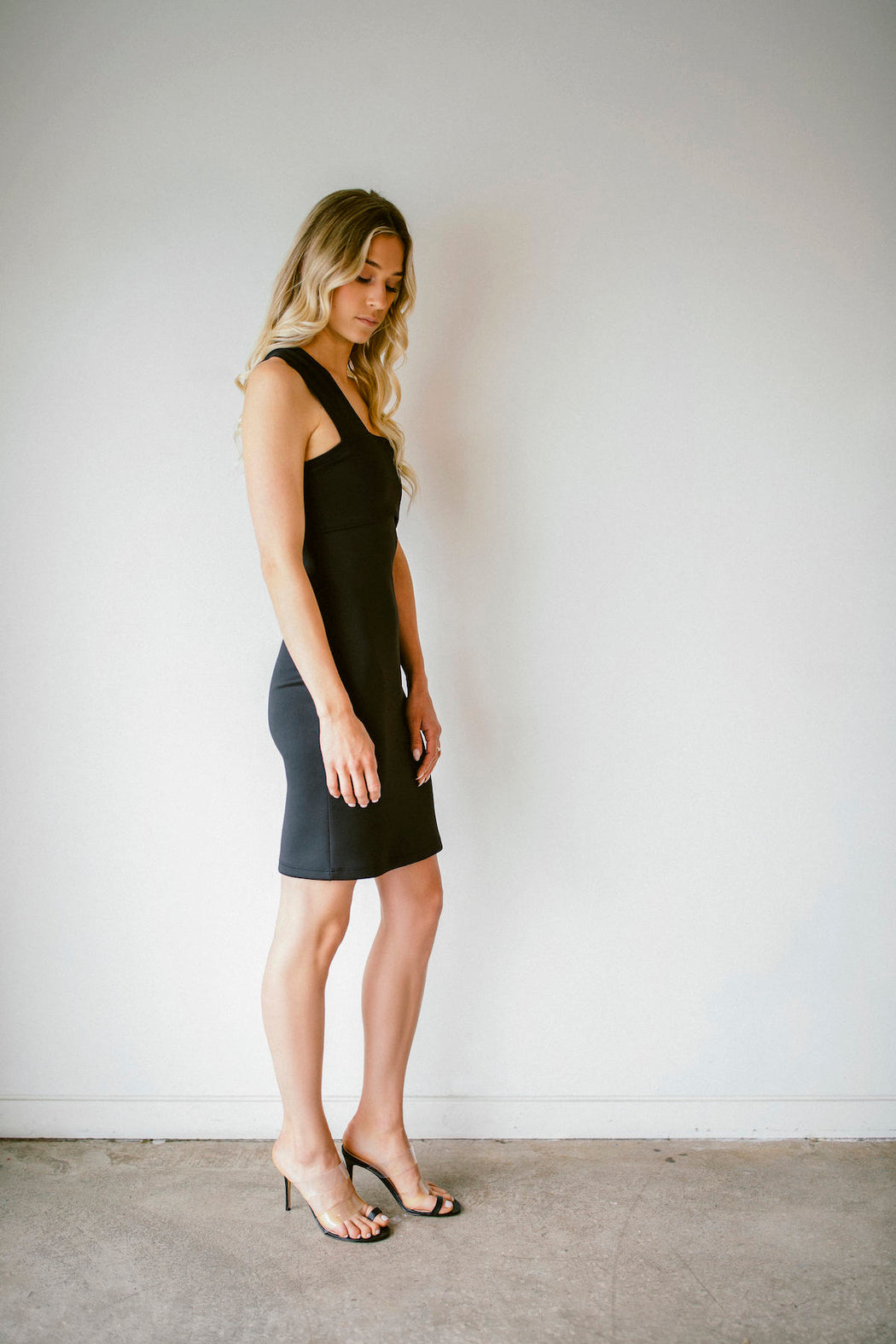 FITTED ASYMMETRIC DRESS