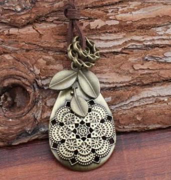 Handmade Leaves Alloy Sweater Vintage Necklace-Accessories-fastchics-Color-One-size-fastchics