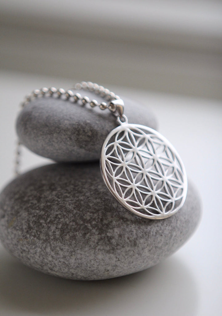 Long FLOWER OF LIFE necklace in silver