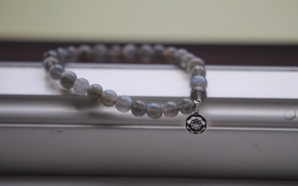 TRANSFORMATION Mala bracelet in Labradorite with silvercharm Lotusmandala