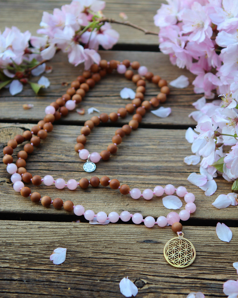 MY SACRED LIFE - Mala in Rose quartz and Sandalwood, flower of Life pendant